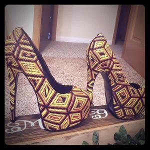 Heels very beautiful good condition